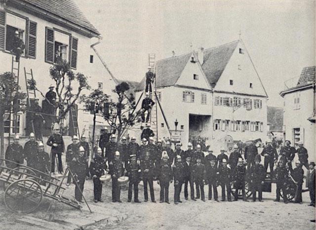 Die Feuerwehr Möglingen im Jahr 1900.