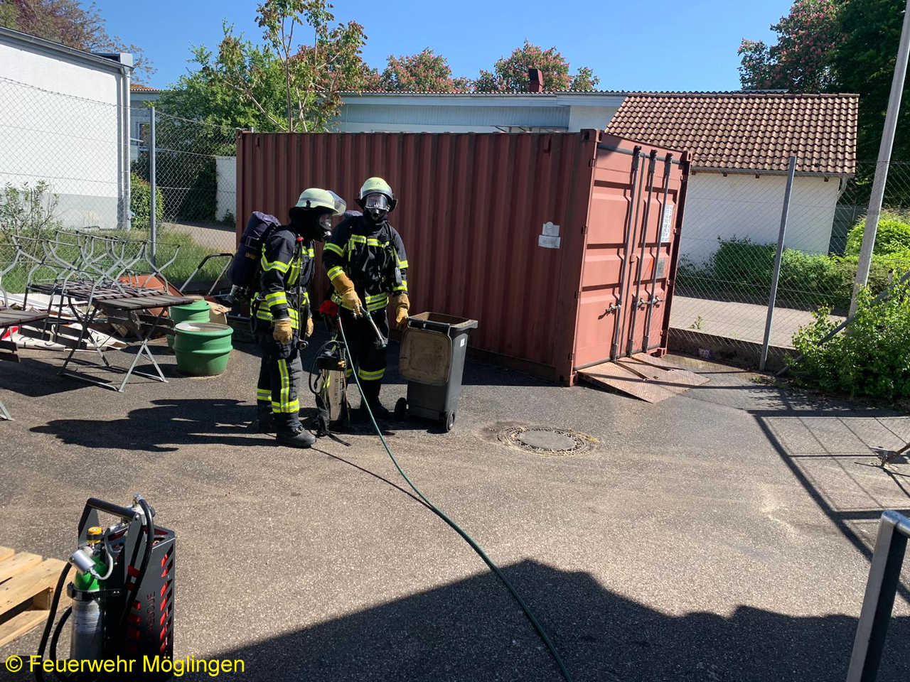 B1 – Feuer/Rauch Müllbehälter